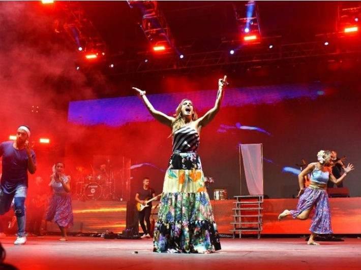 Rivadavia festeja el carnaval con el show de la Sole | Vía