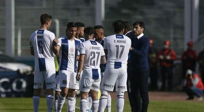 Alexander Medina ensaya el equipo de Talleres para recibir a Racing - Vía País