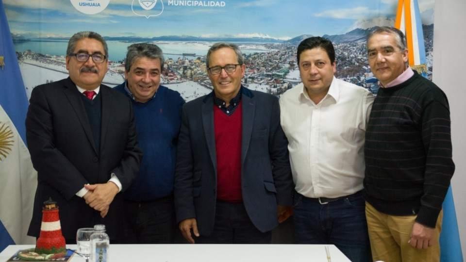 El Embajador de Guatemala visitó Ushuaia - Vía País