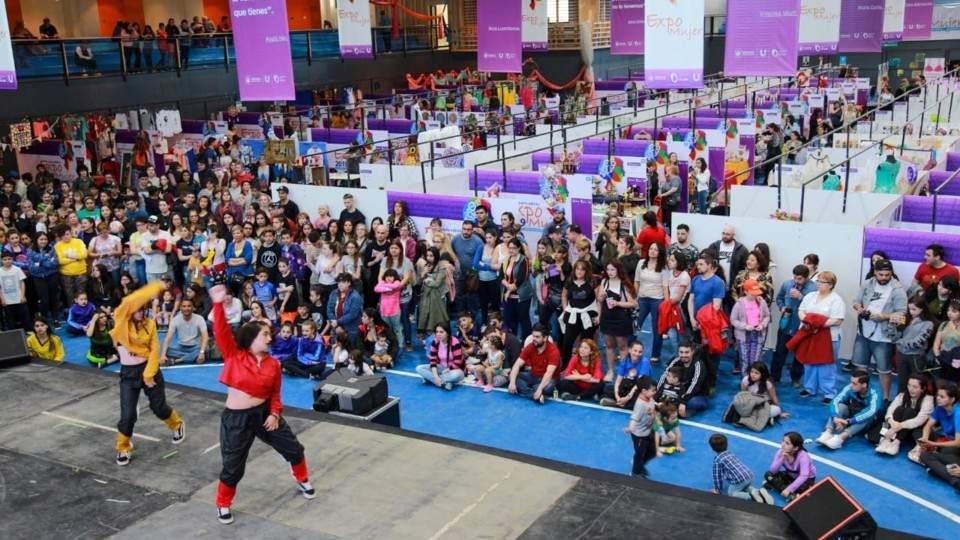 """Ushuaia: más de 15 mil personas disfrutaron de la cuarta edición de la """"Expo Mujer"""" - Vía País"""