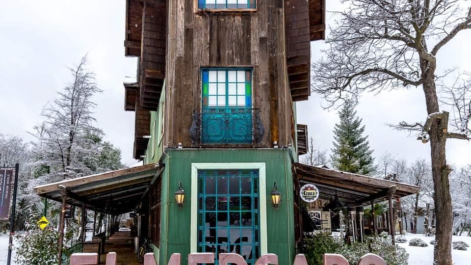 Bariloche y Villa La Angostura: dos ciudades de pura belleza - Vía País