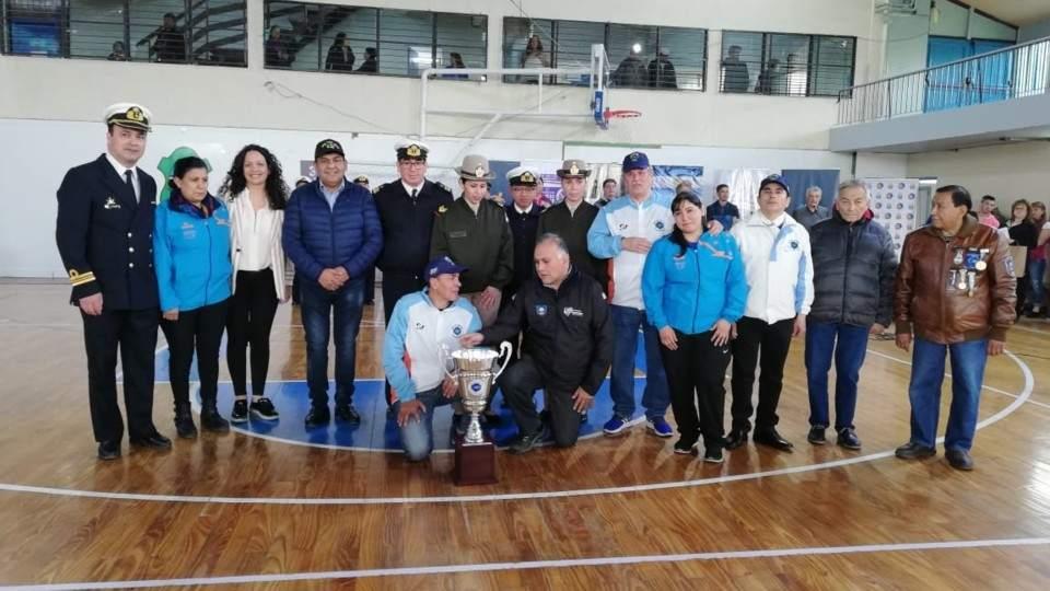 Ushuaia: Homenaje a la Teniente Eliana Krawczyk en el XVI Torneo de Futsal Femenino - Vía País