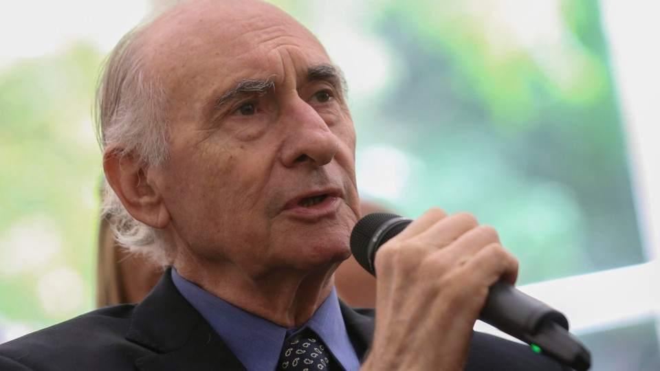 Resultado de imagen para Internaron de urgencia al ex presidente Fernando De la Rúa
