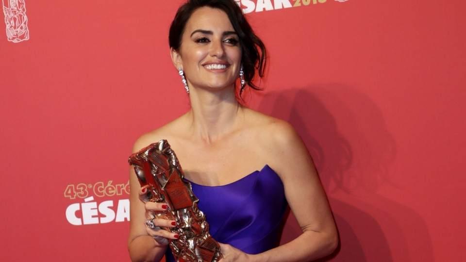 Penélope Cruz Denunció Que Quisieron Obligarla A Posar Desnuda Vía
