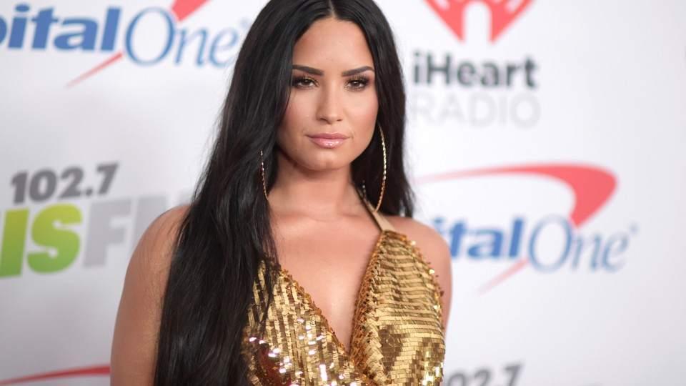 41847ee5789a En su último show antes de la internación, Demi Lovato se olvidó la ...