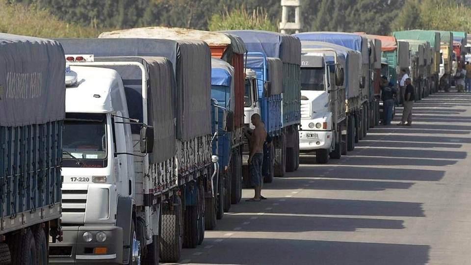 Filas Para Camiones De Kilómetros Descargar Cereal En Varios El shdCtQr