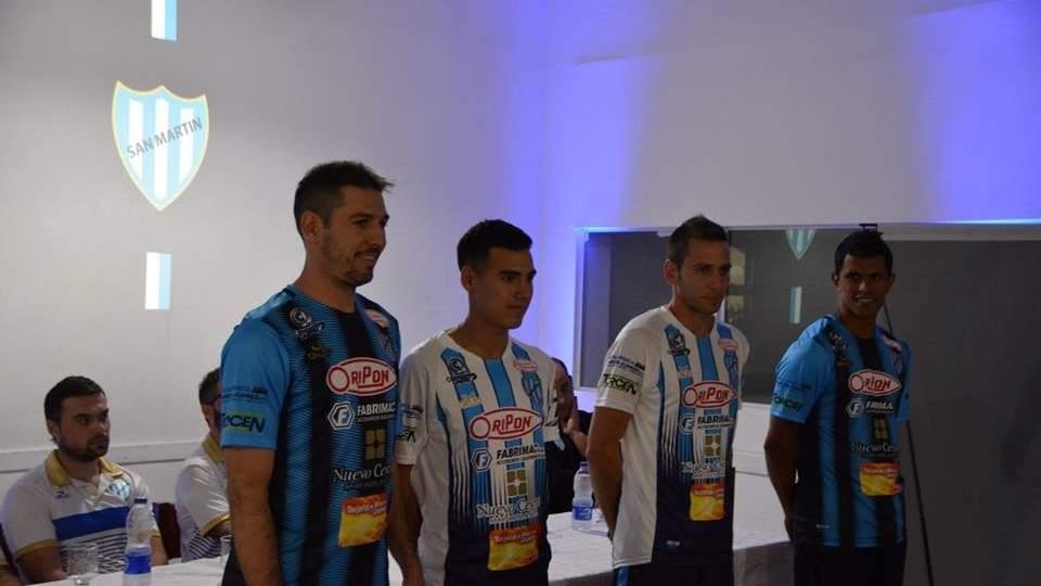 0db1c7022b60 San Martín presentó su nueva camiseta | Vía Marcos Juarez