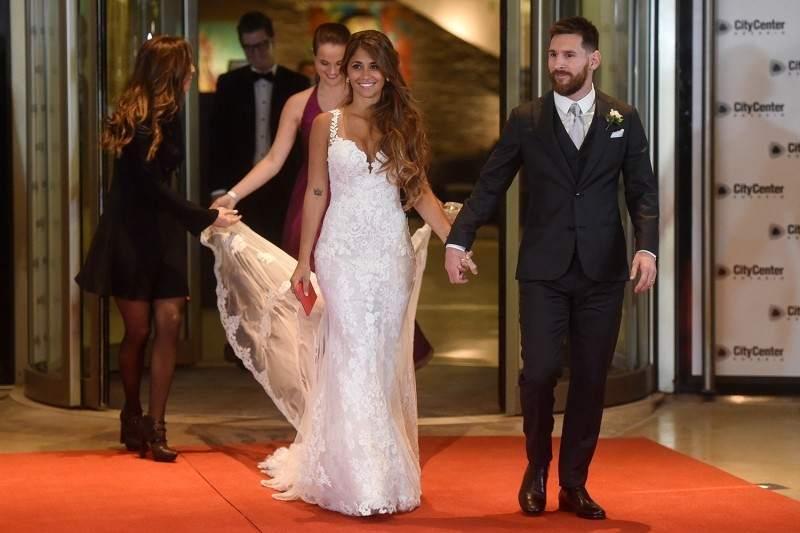 2bcfc70a4 La diseñadora favorita de Anto Rocuzzo lanza su colección en Argentina:  mirá sus increíbles vestidos