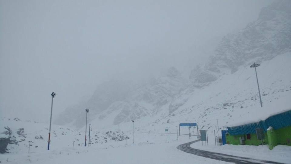 Cerraron el paso hacia Chile por un fuerte temporal de nieve