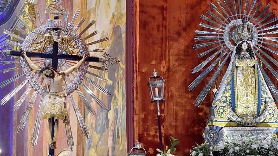 Mirá cómo fue la entronización del Señor y la Virgen del Milagro en la Catedral de Salta