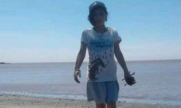 Punta Indio: buscan a una nena de 10 años que volvió sola a la playa a buscar su muñeca y no regresó