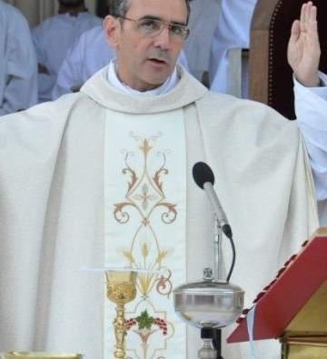 Obispo De Villa María Trans Son Hombres Vestidos De Mujer