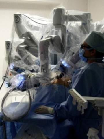 Da Vinci haciendo cirugía de próstata