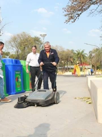 Se instalaron campanas de separación de residuos en plazas