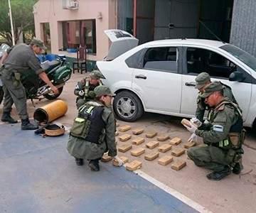 Resultado de imagen para Secuestran más de 30 kilos de cocaína ocultos en el tanque de gas de un vehículo