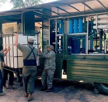 Resultado de imagen para Ejercito entrega agua en Salta